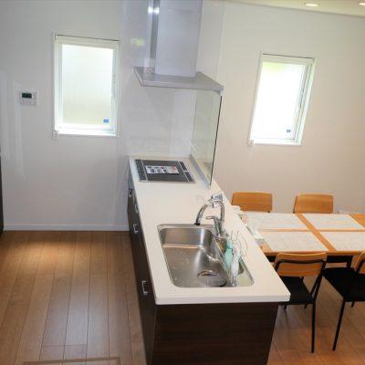 注文住宅でのダイニングテーブルの配置 - 八興ハウス - ブログ