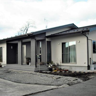 【栃木県日光市】 くつろぎの土間スペースがある平屋注文住宅 - 八興ハウス - 施工事例