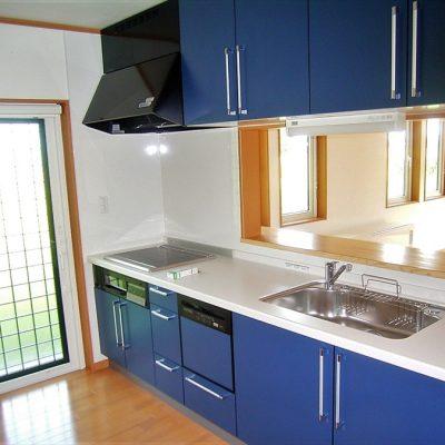 【栃木県日光市】 ブルーをアクセントに取り入れた注文住宅 - 八興ハウス - 施工事例