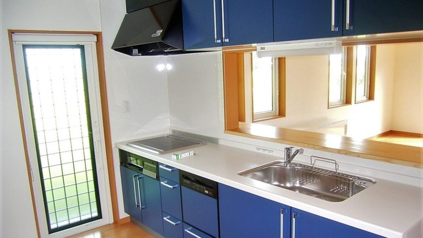 株式会社八興建設:【栃木県日光市】 ブルーをアクセントに取り入れた注文住宅