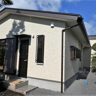 フォトギャラリー【栃木県日光市】 中庭を眺めながらゆったり過ごす シニア世代の平屋注文住宅